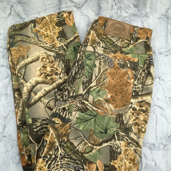 05d44e6cb4 🆕Cabelas Seclusion 3D camouflage pants Women s 14.  M 5b83226f8158b5b049c3837b
